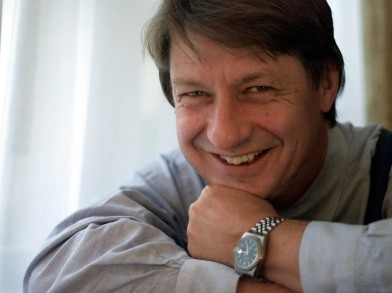 TO MATCH FEATURE ATTACK O'ROURKE - AMERICAN WRITER P.J. O'ROURKE POSES IN LONDON.